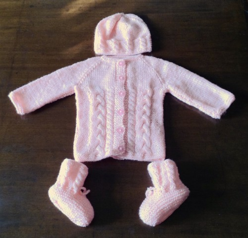 Easy Hand Knit Baby Set - Free Pattern