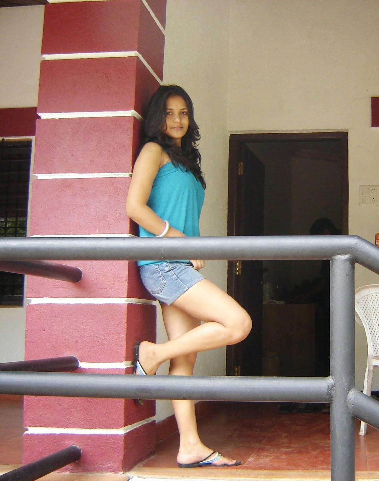Beautiful Indian Desi College Girls In Mini Skirt Pictures -4100
