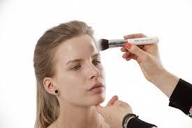 Bahaya Bila Anda Tidur Dengan Sisa Make Up