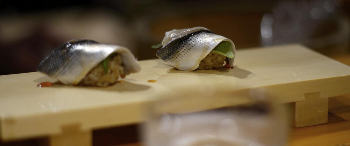 Tsukiji Fish Market Sushi Tokyo Japan | FOREVERVANNY.com
