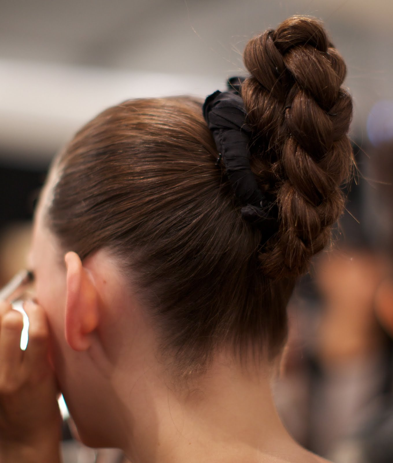 20 Loose Updos for Women - AskHairstyles