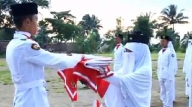 <<#IniIndonesiaku>>Hijaber juga bisa berprestasi lho...Gk percaya? nih buktinya