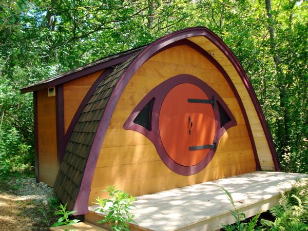 Kawaiian Punch!: Object of geek desire: Hobbit Hole... chicken coop? - Hobbit Houses Inspired
