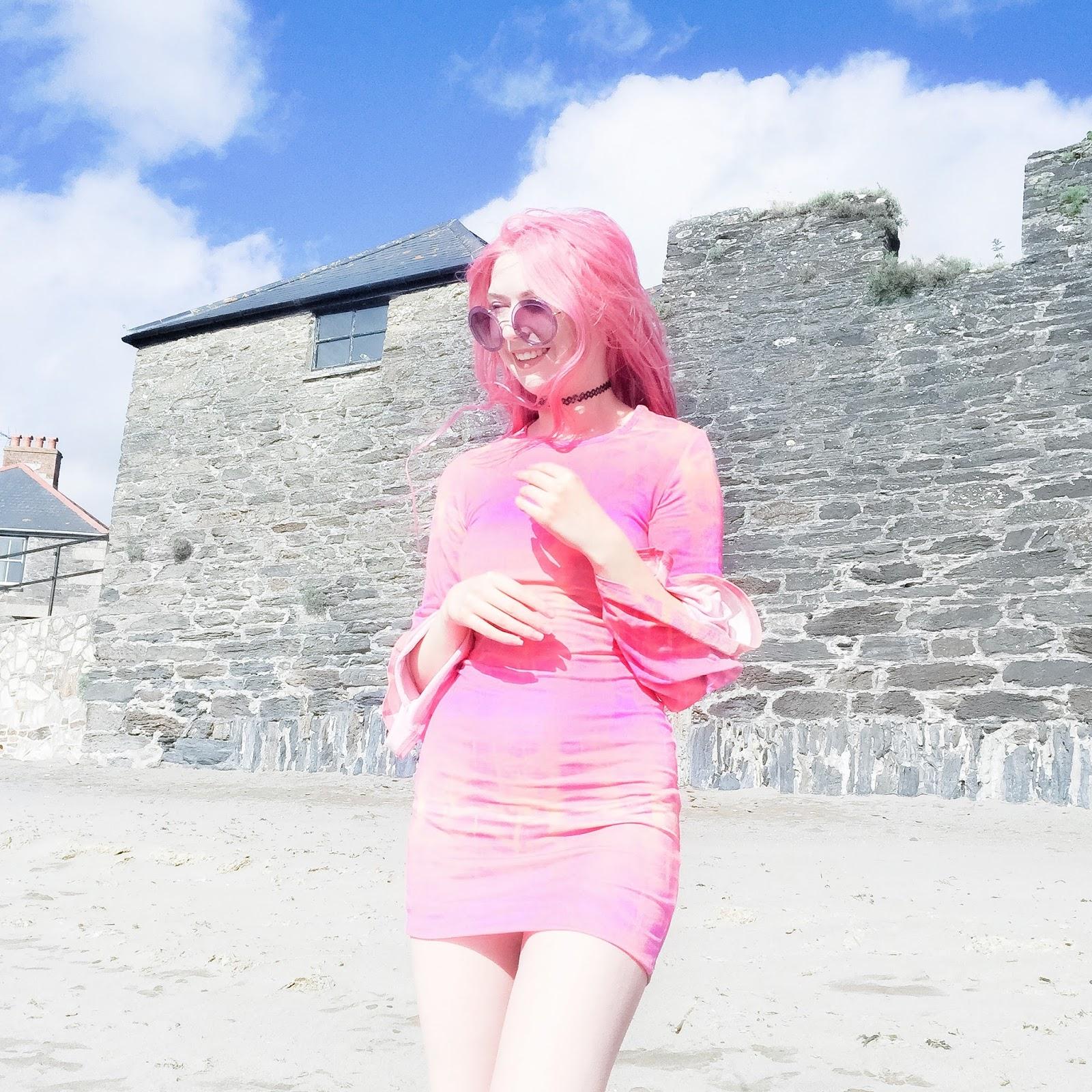 TIE DYE ON THE BEACH
