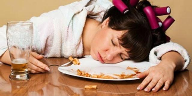 BAHAYA! Jangan Pernah Lakukan 4 Hal ini Setelah Makan!