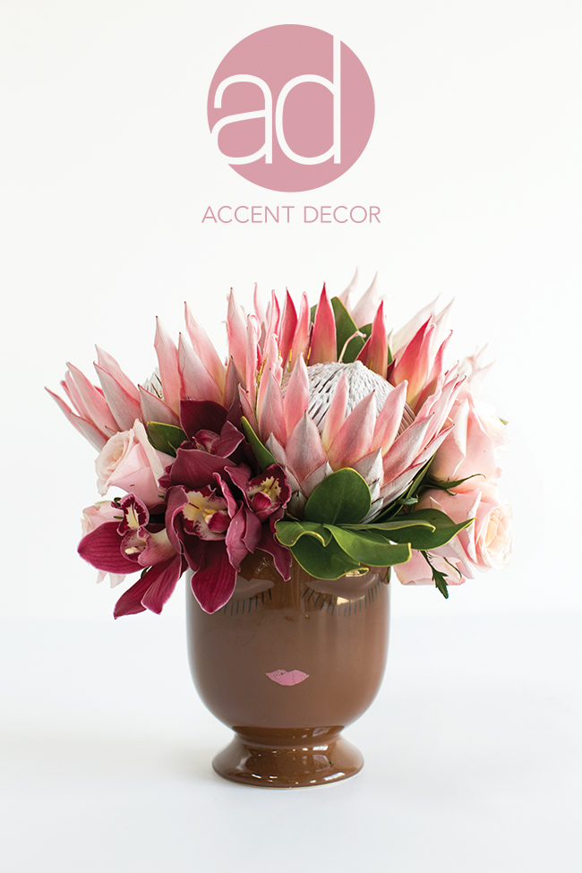 The Celfie Pot - a unique and adorable face vase design by Accent Decor