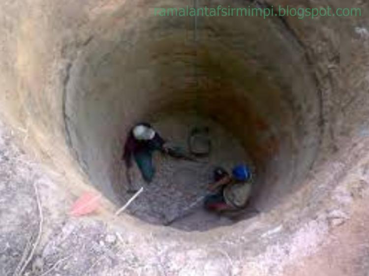 Sedangkan air sendiri adalah merupakan sesuatu hal yang amat penting bagi kehidupan kita 11 Arti Mimpi Lihat Orang Membuat Sumur Menurut Primbon Jawa
