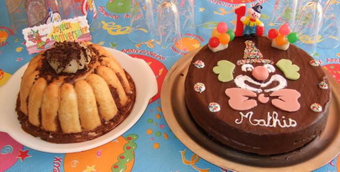 http://lesrecettesdemelanie.blogspot.fr/2010/02/gateau-clown-et-charlotte.html