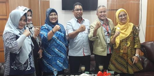 Bertemu Ketua DPRD, Dirut PT Semen Padang Laporkan CSR