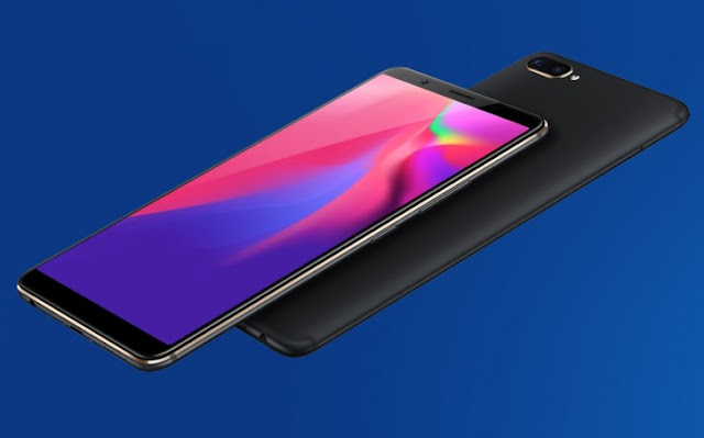 The Vivo X20 Plus UD features 18:9 AMOLED (With Clear ID 9500 sensor for fingerprint) FHD+ display @ 376ppi, powered by SnapDragon 660 with Adreno 512 GPU and 4GB of RAM. There's a big 128GB internal storage that can also be expanded up to 256GB through hybrid slot.