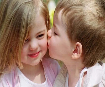 beautiful-babi-cuty-kissing-hd-nice-photos