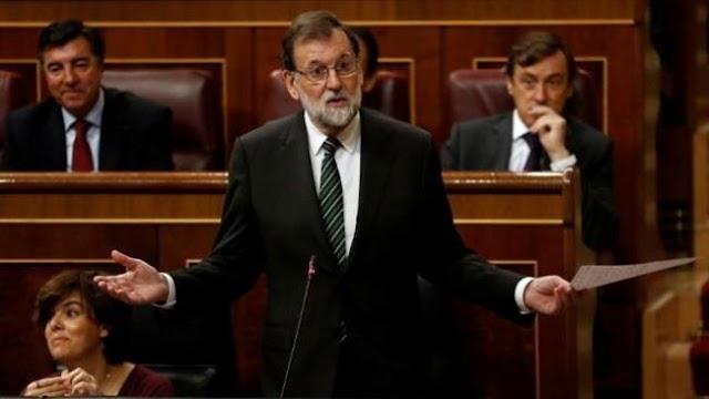 Spanish Prime Minister Mariano Rajoy warns Catalan president Carles Puigdemont to drop secession bid