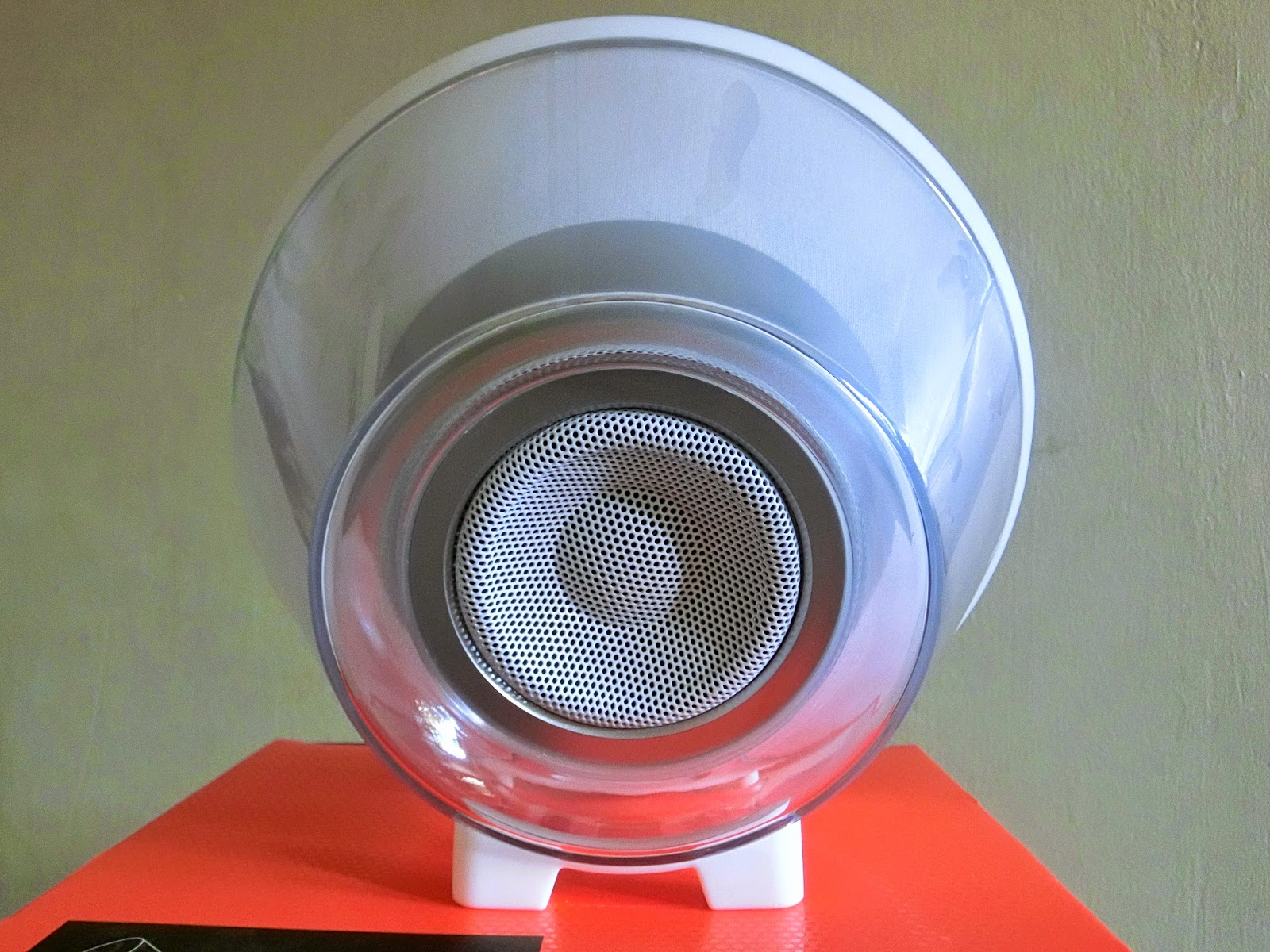 the best wireless home audio system jbl voyager onlywilliam. Black Bedroom Furniture Sets. Home Design Ideas