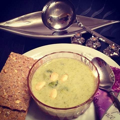Bademli brokoli çorbası tarifi