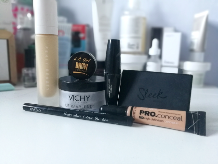 Maquillage et acné, est-ce incompatible ?