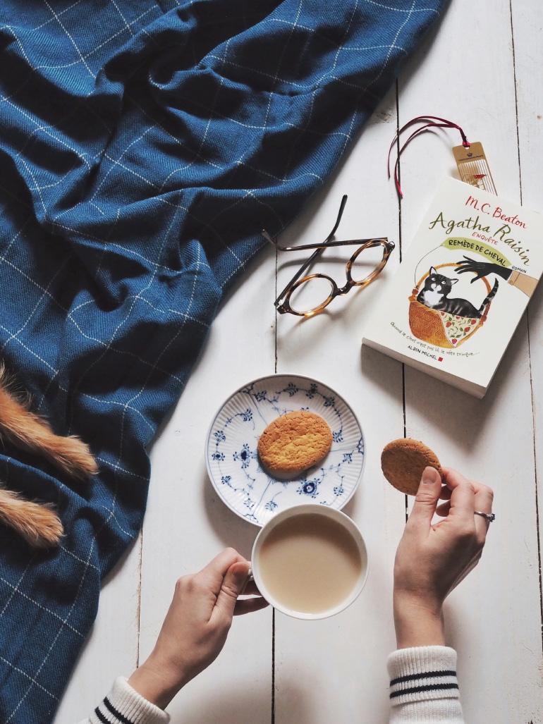 Moment cocooning autour d'un livre de Agatha Raisin