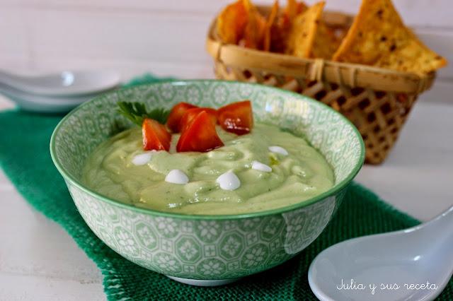 Sopa fría de aguacate. Julia y sus recetas