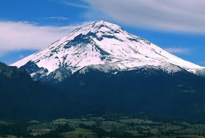 Gunung Terindah di Dunia yang Begitu Mempesona