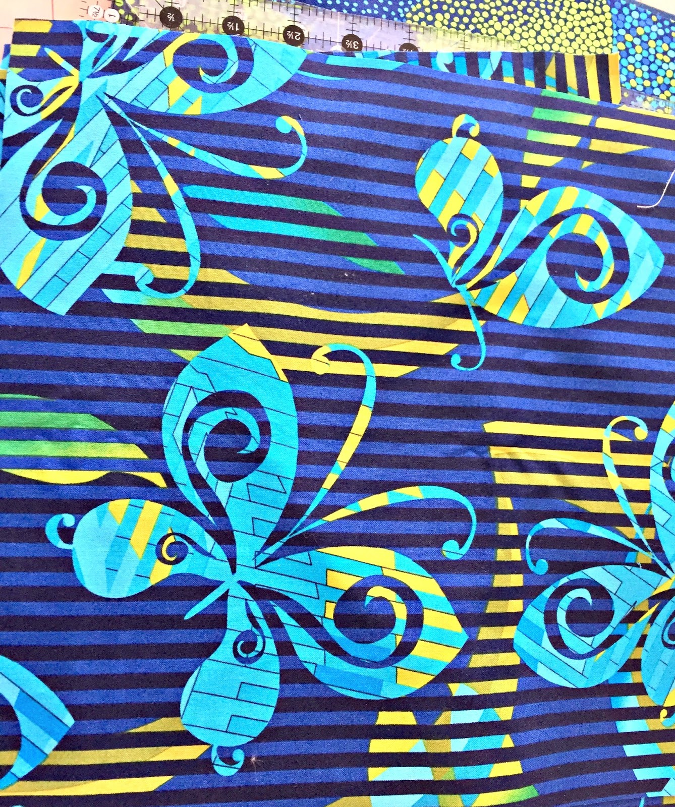 Busy Bee Quilt Designs Hip To Be Square : the confused quilter: It s so Hip to Be Square!