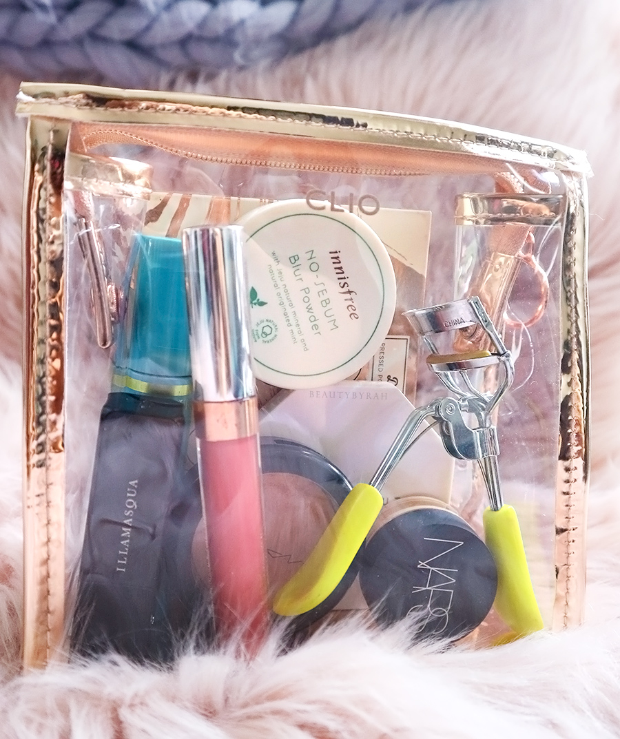 Long lasting makeup products for oily skin and travel makeup tips