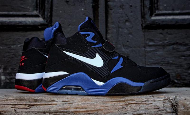 EffortlesslyFly.com - Online Footwear Platform for the Culture  Nike ... e1739d78bd