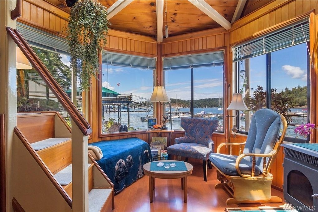 02-Living-Room-Architecture-with-the-House-Boat-on-an-Island-www-designstack-co