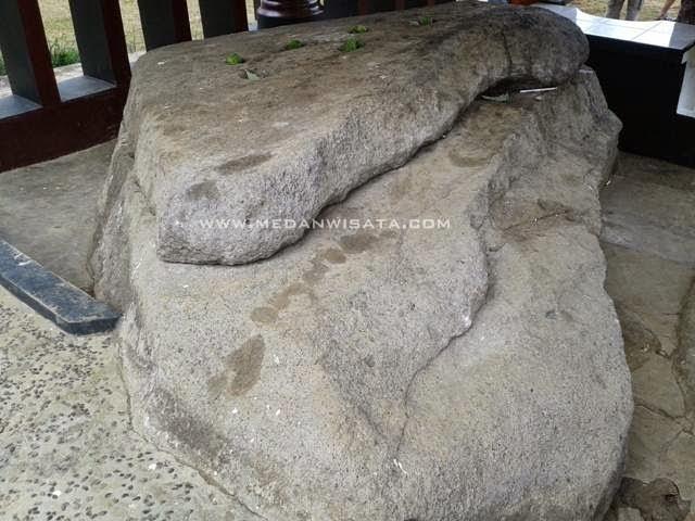 Batu Hobon Samosir