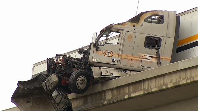 Bakersfield+Semi+Truck+Crash+Highway+58+99+Overpass+February+2014
