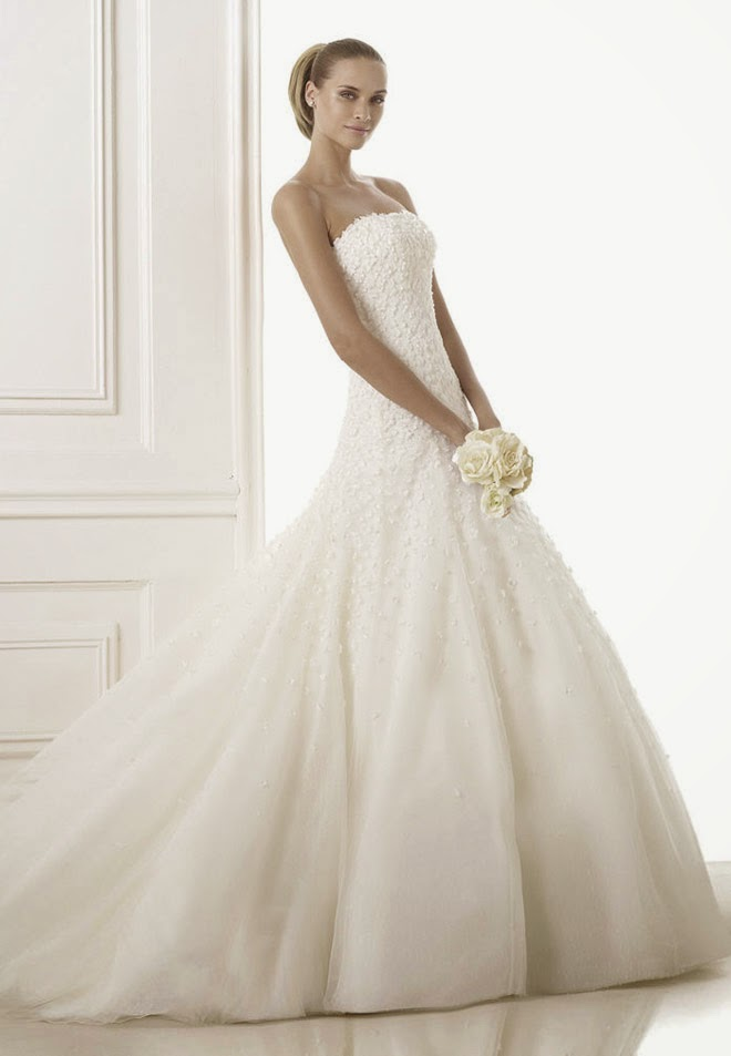 Please Contact Pronovias For Authorize Retailers And Pricing Information