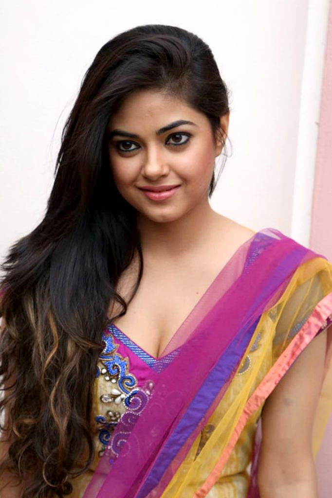 Actress MeeraChopra latest Images