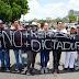"""Oposición presiona a Maduro con """"plantón"""" en las calles"""