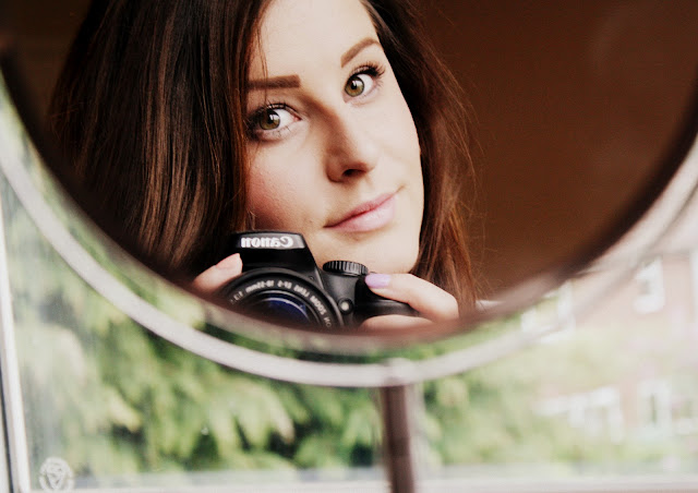 Leanne Marie blog selfie photo