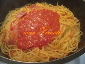 Špageti u umaku od rajčica