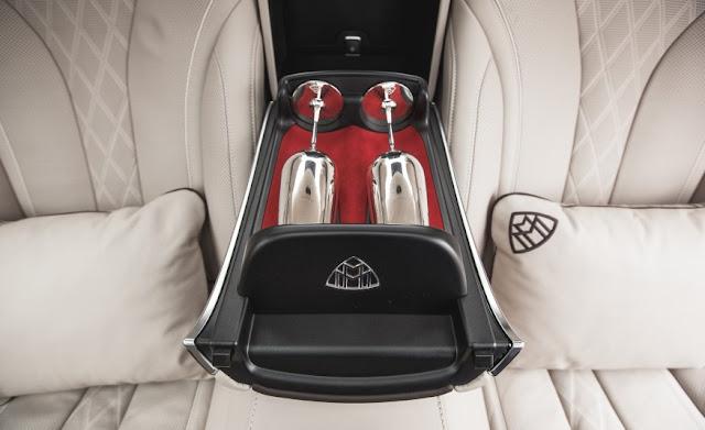 Mercedes Maybach S600 trang bị ly Champagne bằng Bạc thượng hạng