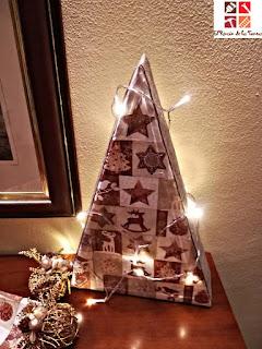 arbol navideño con decoupage