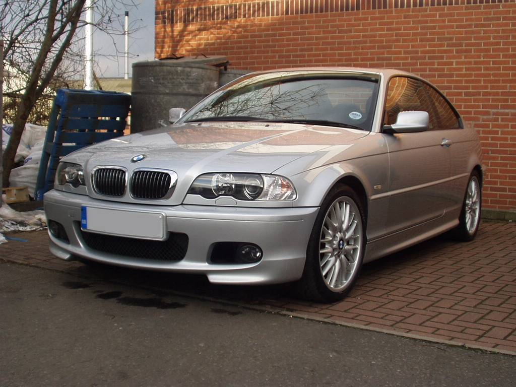 bmw 330ci car specification and photos. Black Bedroom Furniture Sets. Home Design Ideas