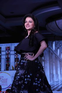 Bhagyashree and Diana Hayden walks the ramp for Mumbai Obstetrics and Gynecological Society Annual Fashion Show 005.JPG