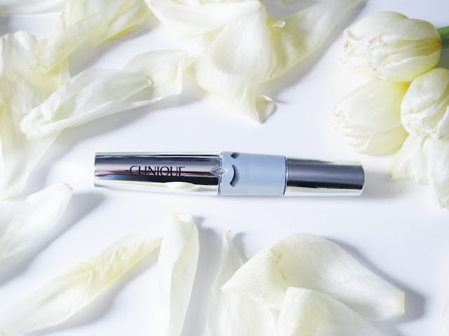 Lash Power Flutter-to-Full Mascara, de Clinique