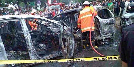 Tabrak Avanza Dan Motor Hingga Terbakar, Sopir Honda Freed Syok