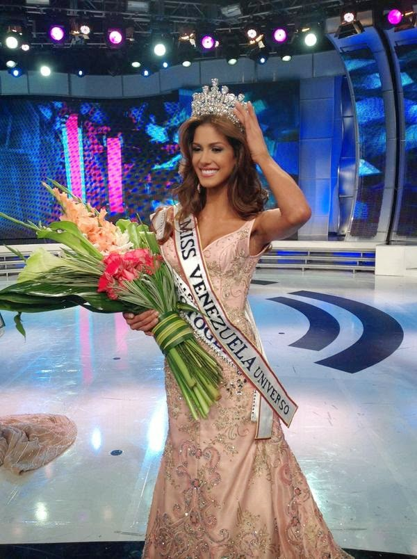 SASHES AND TIARAS..Miss Earth 2015 Finals: EVENING GOWN