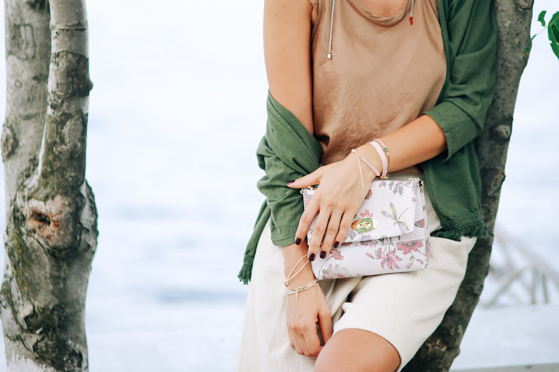 цветная сумка для стильного образа