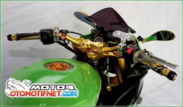 Setang Model Fatbar Biar Nggak Nunduk - Cara Melakukan Modifikasi Kawasaki Ninja RR Mono Gaya Moge Sport Yang Simpel Tanpa Menunggu Lama