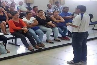 Professores reclamam atraso nos salários e ameaçam paralisação em Seridó