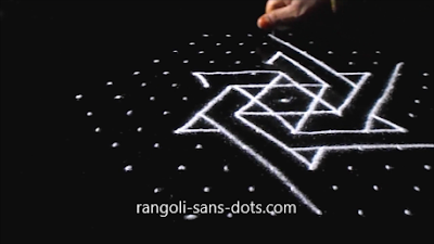 Sangu-kolam-with-dots-1211ad.jpg