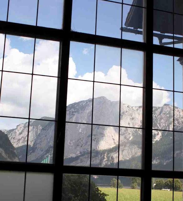 Blick auf die Trisselwand aus Jandls Atelier © Copyright Monika Fuchs, TravelWorldOnline