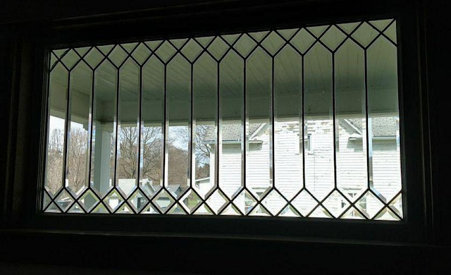 Sears Clyde No. 118 side rectangular leaded-glass window in diamond pattern at top and bottom