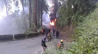 darjeeling-sits-on-volcano-arson-continues-more-forces-requisitioned