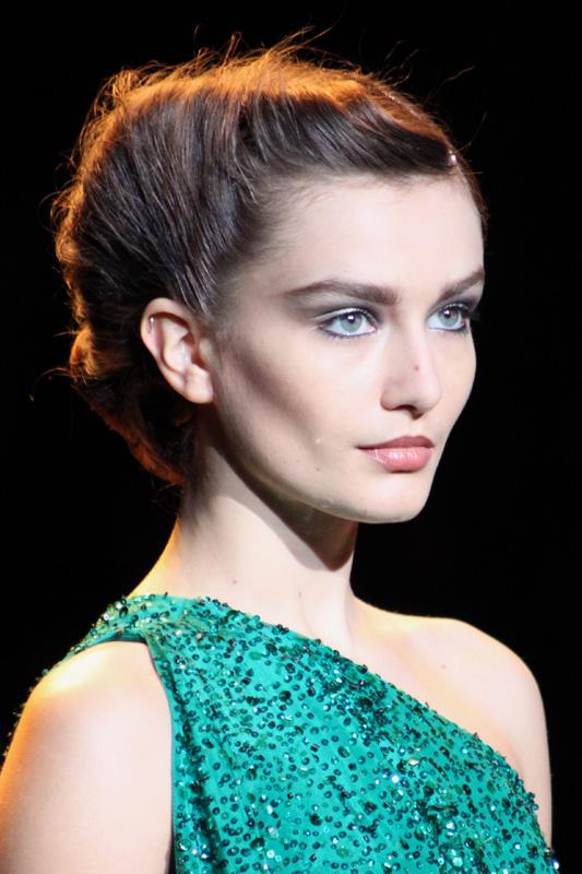 Beauty Junkie I E Caby Mac Eye Shadow: MAKEUP JUNKIE: NYFW F/W 2011 Beauty: Trend Report: Badgley
