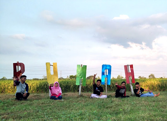 Bersama Kak Suni Ahwa di TBM Rumah Pelangi Bekasi