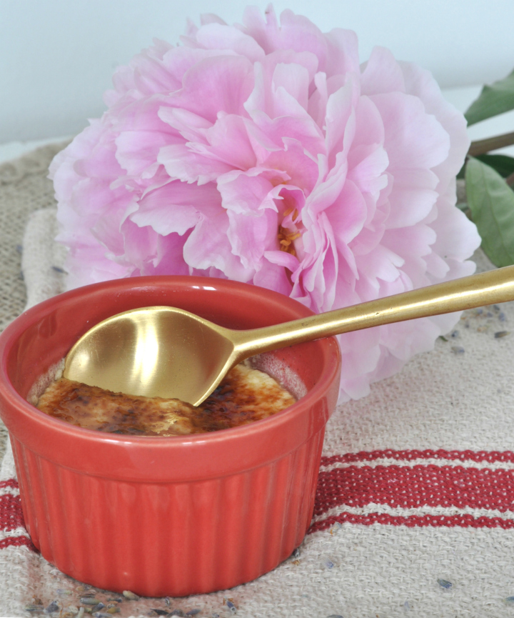 Looking for the taste of sumer? Try this Crème brûlée (it's gluten free, too)!